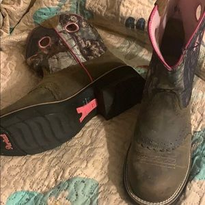 Ariat fat baby camp boots